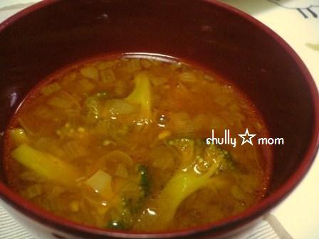 ミャンマー風☆豚肉とブロッコリーのスープ