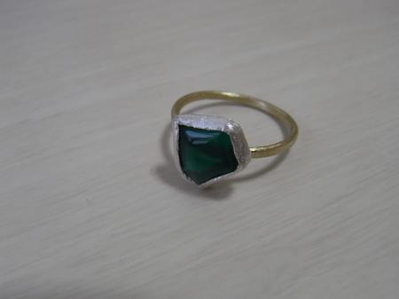 緑の石のリング*