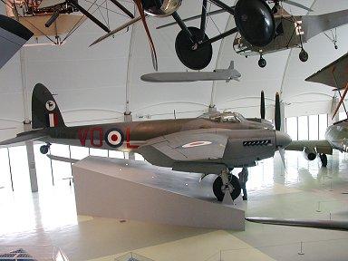 RAF博物館の一等席に展示されているモスキートdownsize