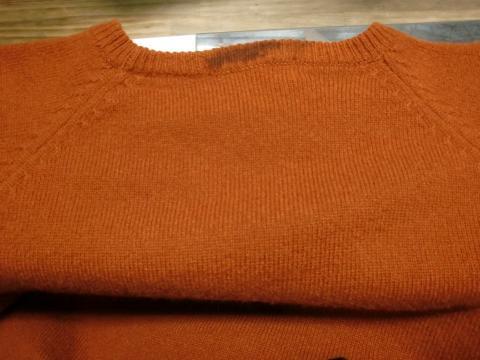 毛染めセーター20120706前1