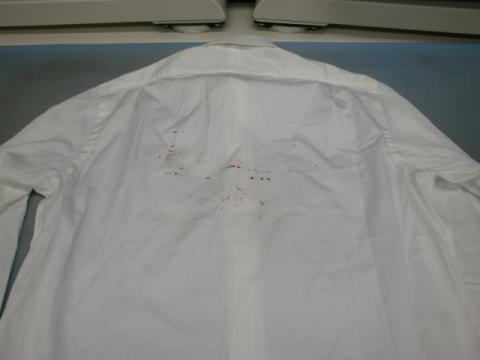 赤ペンキワイシャツ20121019前1