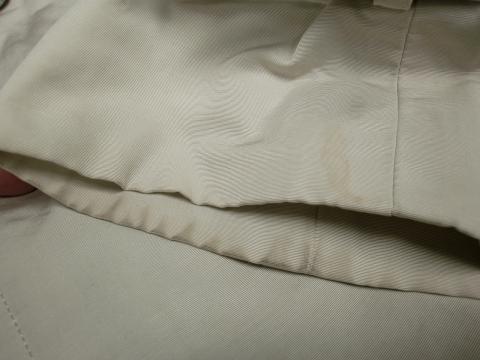 20130107擦れ汚れコート前3