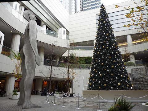 東京オペラシティ 広場