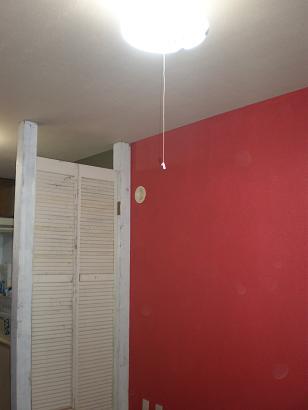 壁の色ピンク