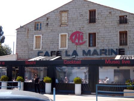 Cafe la Marine exterieur