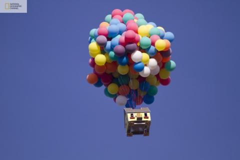 ナショナルジオグラフィックが「カールじいさんの空飛ぶ家」を本当にやってみた