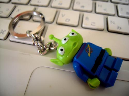 リトル・グリーン・マンのキーホルダーをレゴの店で入手