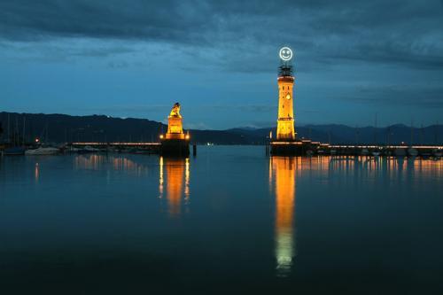 ドイツに出来た笑う灯台?