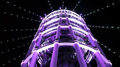 紫のタワー2