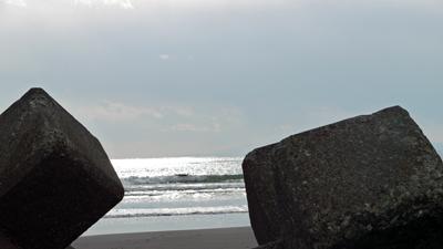 鵠沼海岸にて