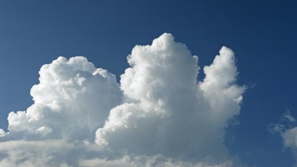 ハーイタッチな雲