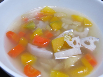 野菜でスープ