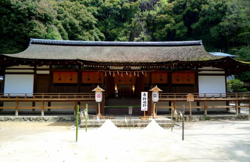 宇治上神社 拝殿1