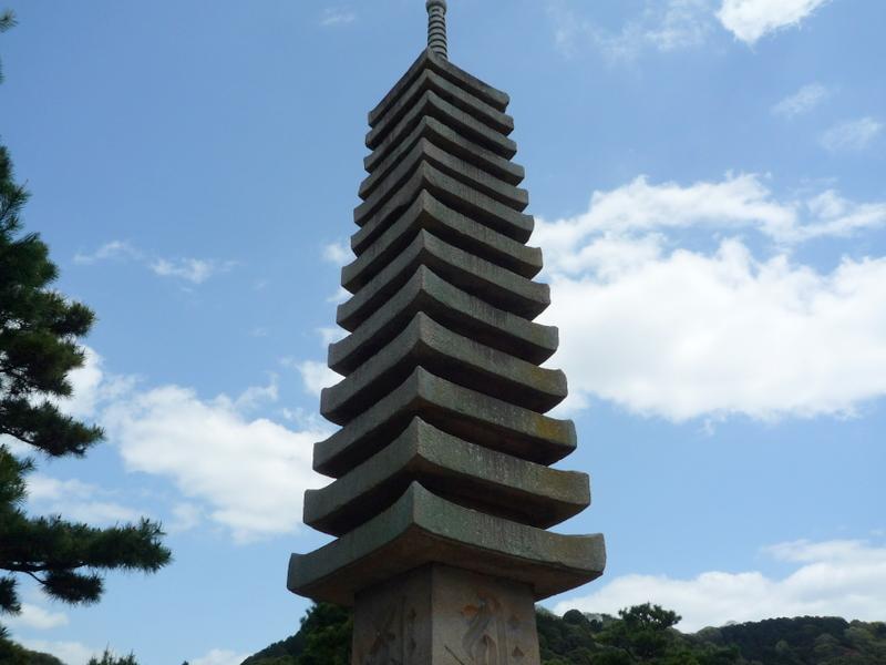 宇治 十三重石塔2