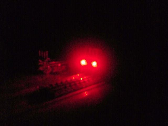 赤の方が光は強い