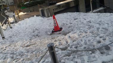 大学の残雪_convert_20130117223404