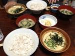 麦とろ御飯。ミョウガとワカメの味噌汁、漬物。最高です!!
