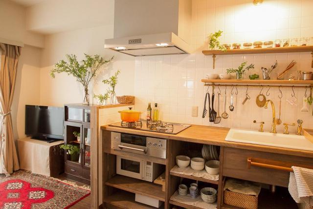 鎌倉市内マンションリフォーム。家具調の、木製オーダーキッチン。