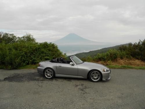 ③かろうじて富士山