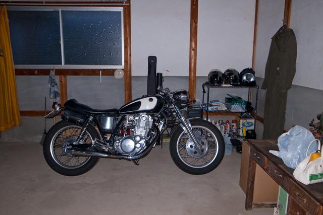 ガレージ04