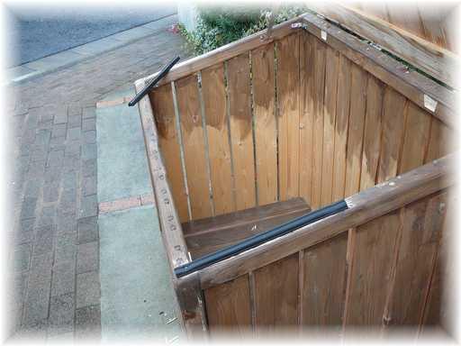 20121125屋外ゴミ箱修理6