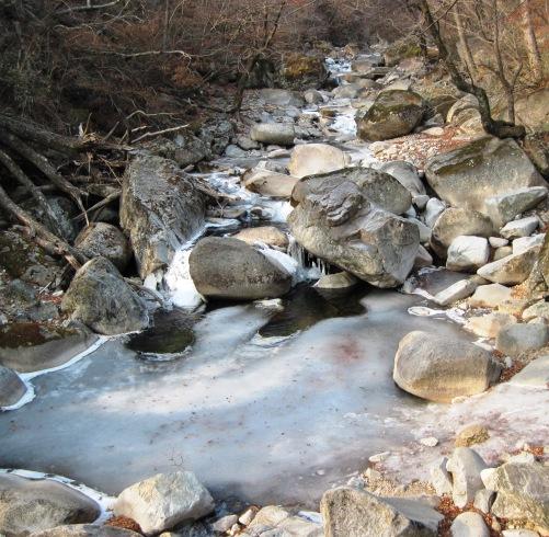 韓国凍る1