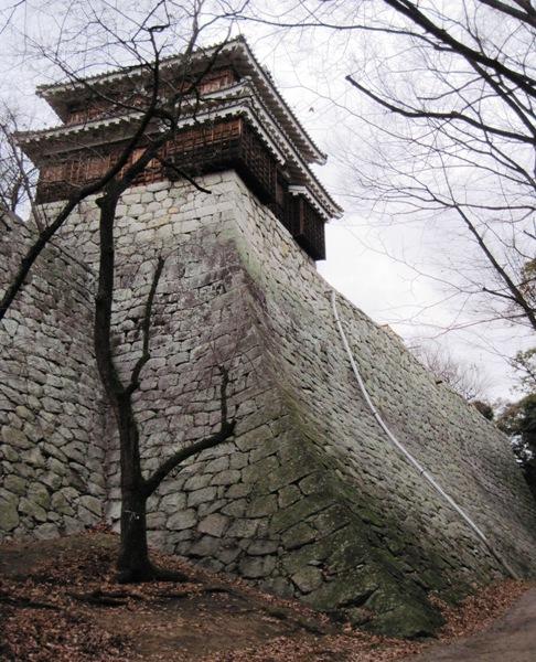 松山城扇の勾配