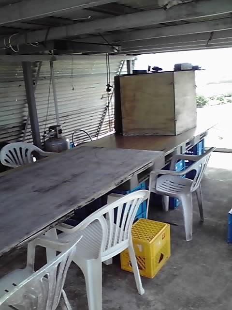 テーブルの上の箱