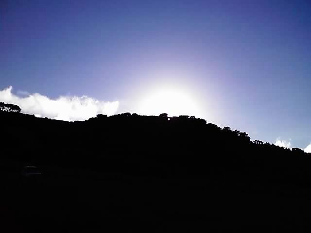 陽が落ちる