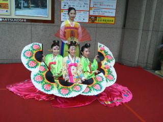 20120105113504韓国舞踊