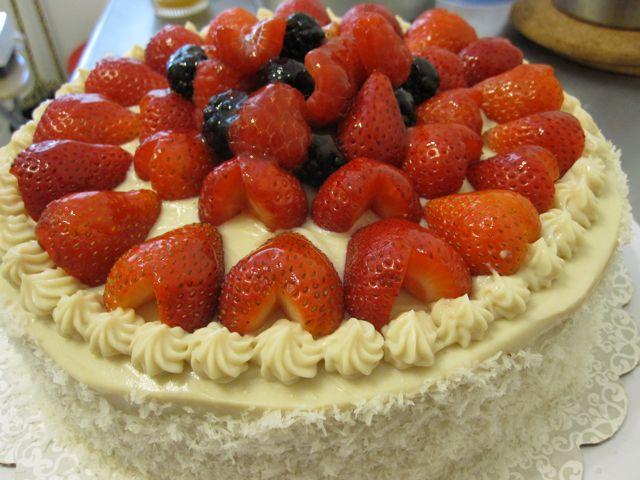 strawberrycake1.jpg