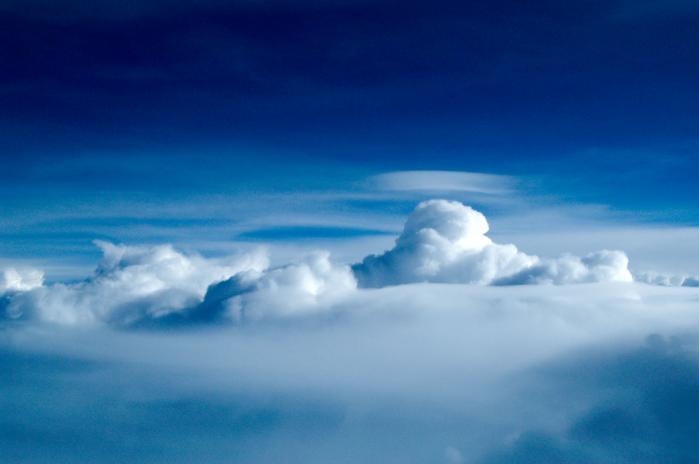 飛行機から見た雲001