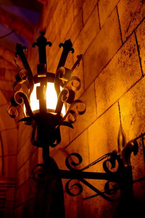 幻想的に光るランプ
