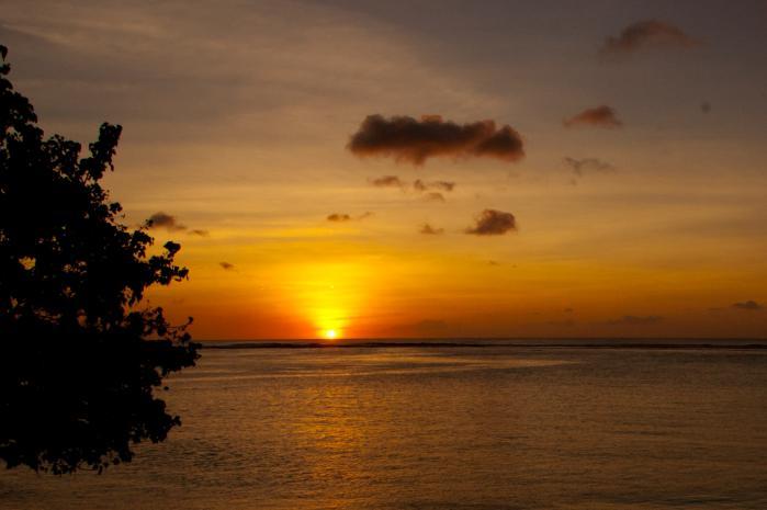 雲を焦がす夕焼(グアムの夕陽)
