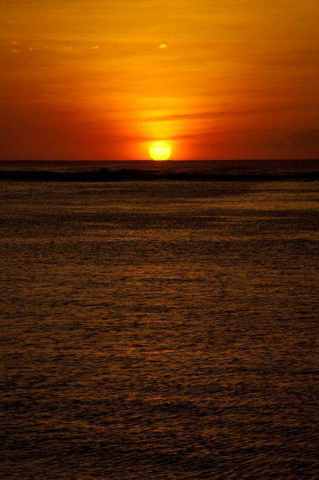 神秘的な光の夕陽(グアム)