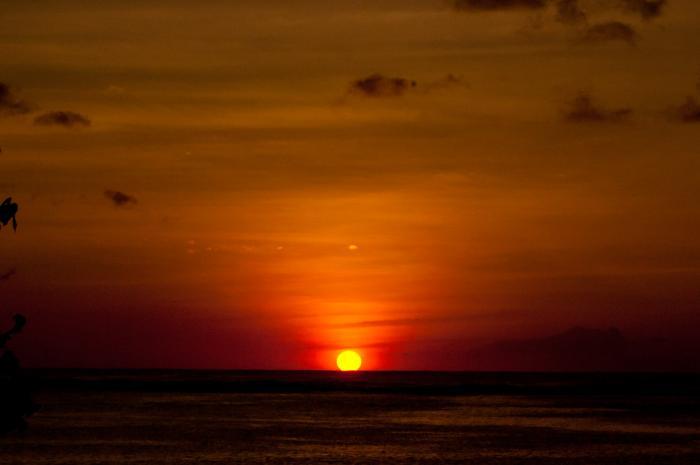 南国グアムの夕日・夕焼け