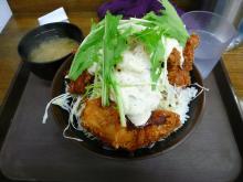 タルタル唐揚げ丼(並)