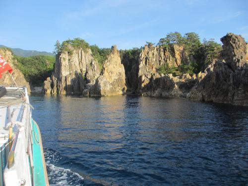 船と岩IMG_0200
