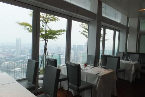 中テーブル窓側DSCF8016