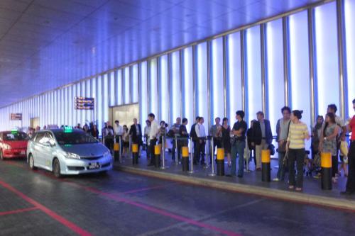 タクシー待ちDSCF8046