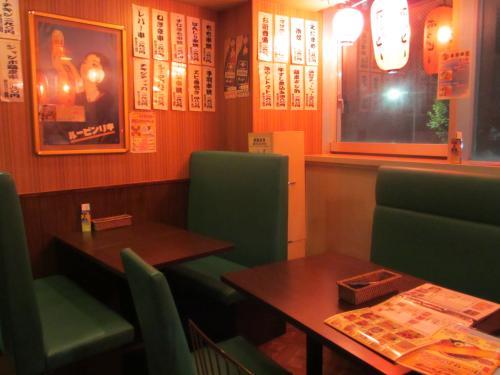 店内テーブルIMG_0262
