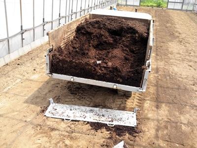 堆肥撒き20120510