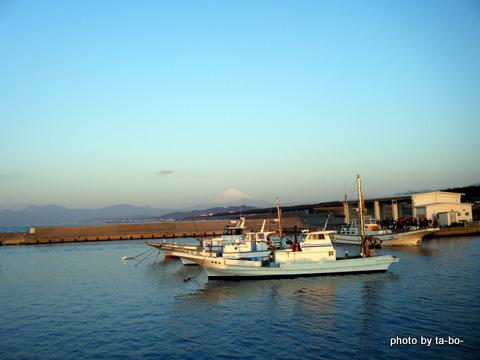 2012047茅ヶ崎港