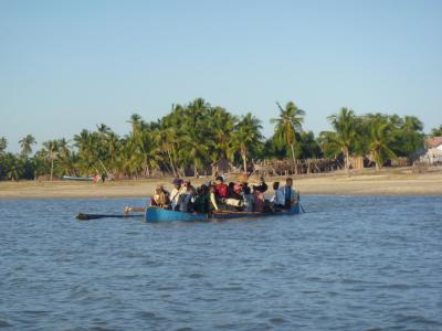 アフリカ 舟