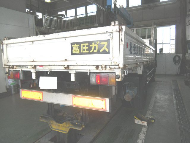 エルフ トラック