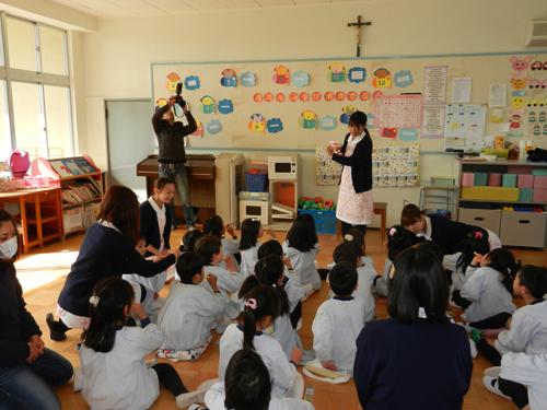 さゆり幼稚園で歯磨き指導_うめ組