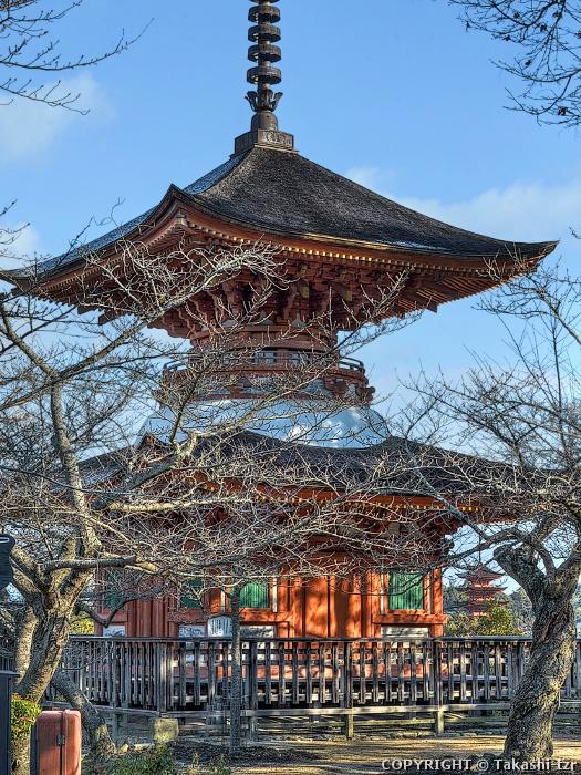 厳島神社多宝塔