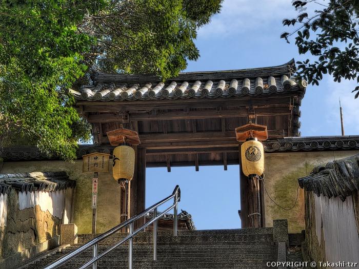 本蓮寺中門