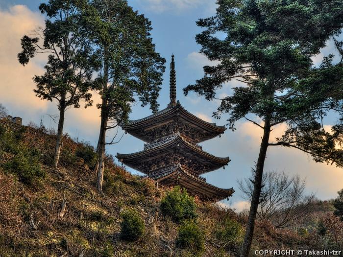 大滝山三重塔
