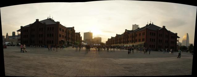 夕陽と赤レンガ倉庫